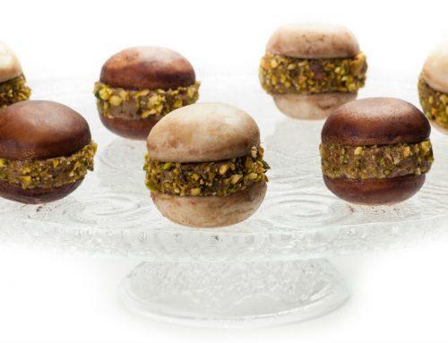 עוגיות מקרון פטריות ממולאות בפטה כבד